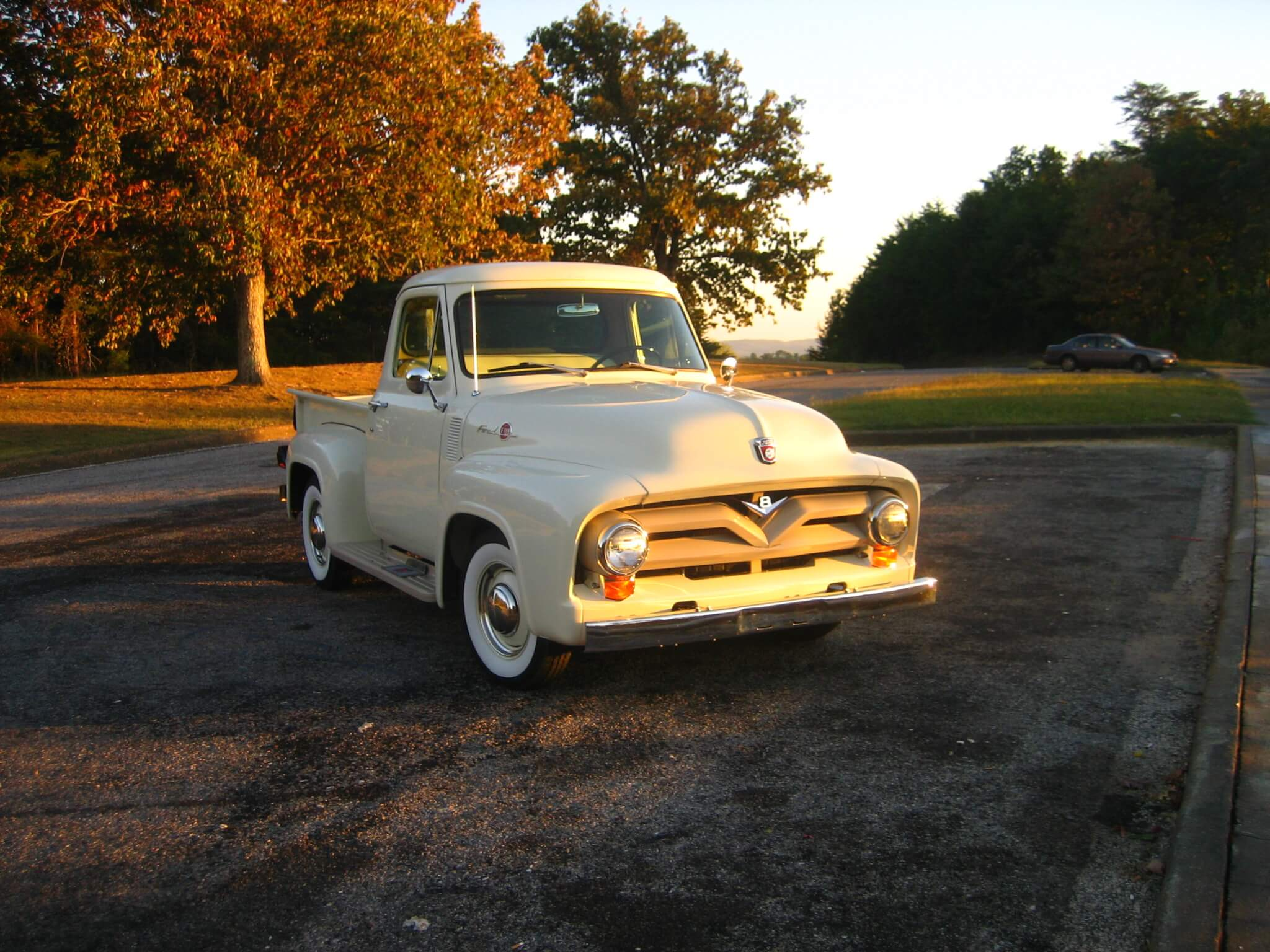 1955 Ford F100 Jay C Lmc Truck Life History A Garage Where The Sits Out Of Sun And Rain On Its Pretty New Coker Wide Whitewalls No Doubt Missing Days When It Was Real Alabama Work
